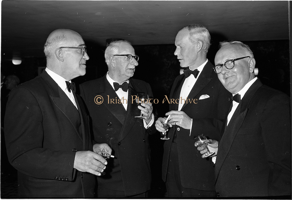 20/08/1962<br /> 08/20/1962<br /> 20 August 1962 <br /> Efficient Distribution Ltd. Dinner at Shelbourne Hotel, Dublin. Chatting during the reception were (l-r): W.H. Lamb; R. Thompson (Williams and Woods); Desmond Fry and M. Mangan, Clare.
