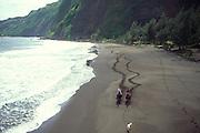 Horseback riding, Waipio Valley, Island of Hawaii, Hawaii, USA<br />