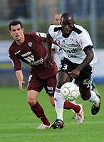 Fotball<br /> Frankrike<br /> Foto: DPPI/Digitalsport<br /> NORWAY ONLY<br /> <br /> FOOTBALL - FRENCH CHAMPIONSHIP 2009/2010 - L2 - VANNES OC v FC METZ - 7/08/2009 <br /> <br /> BIAGUI KAMISSOKO (VAN) / PASCAL JOHANSEN (METZ)