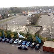 NLD/Huizen/20061122 - Parkeerterrein op het oude Lucent terrein Huizen