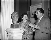 26/04/1958<br /> 04/26/1958<br /> 26 April 1958<br /> Varnishing Day at the R.H.A. Exhibition at the College of Art, Kildare Street, Dublin. Busts by a Cork Sculptor.