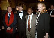 Premiere van Hotel Rwanda, een film gebasserd op Paul Rusesabagina die hotelmanager is van een luxe vijfsterrenhotel in Rwanda. Tijdens de burgeroorlog tussen de Hutu's en de Tutsi's begin jaren '90 worden er in drie maanden tijd bijna één miljoen mensen op brute wijze vermoord. <br /> <br /> Op de foto <br /> <br /> Prinses Mabel Wisse Smit , Prins Johan Friso , Regiseur Terry George en Paul Rusesabagina.