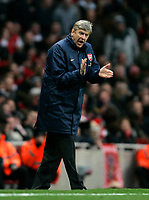Photo: Tom Dulat/Sportsbeat Images.<br /> <br /> Arsenal v Wigan Athletic. The FA Barclays Premiership. 24/11/2007.<br /> <br /> Manager of Arsenal Arsene Wenger during the game.