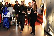 """Prinses Máxima start project Open Inloop Taal bij Cybersoek.<br /> Cybersoek is een ontmoetingsplek in de Indische buurt waar buurtbewoners computervaardigheden leren en cursussen kunnen volgen. Via Open Inloop Taal kunnen verschillende doelgroepen hun Nederlands verbeteren.<br /> <br /> Princess Máxima opens Drop-off project """"Language"""" in Cybersoek<br /> Cybersoek is a meetingpoint in a amsterdam neighborhood where residents learn computer skills and courses to follow, open Walkin language to improve their Dutch."""