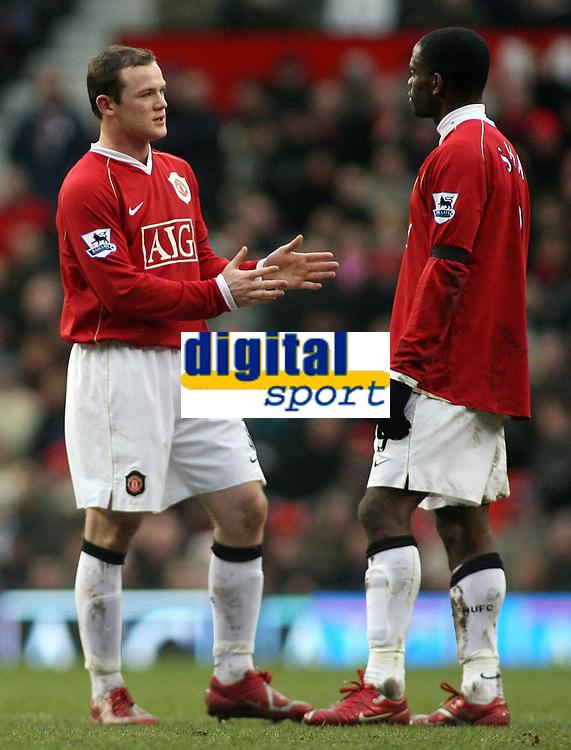 Photo: Paul Thomas.<br /> Manchester United v Charlton Athletic. The Barclays Premiership. 10/02/2007.<br /> <br /> Wayne Rooney (L) and Louis Saha of Man Utd talk tactics.