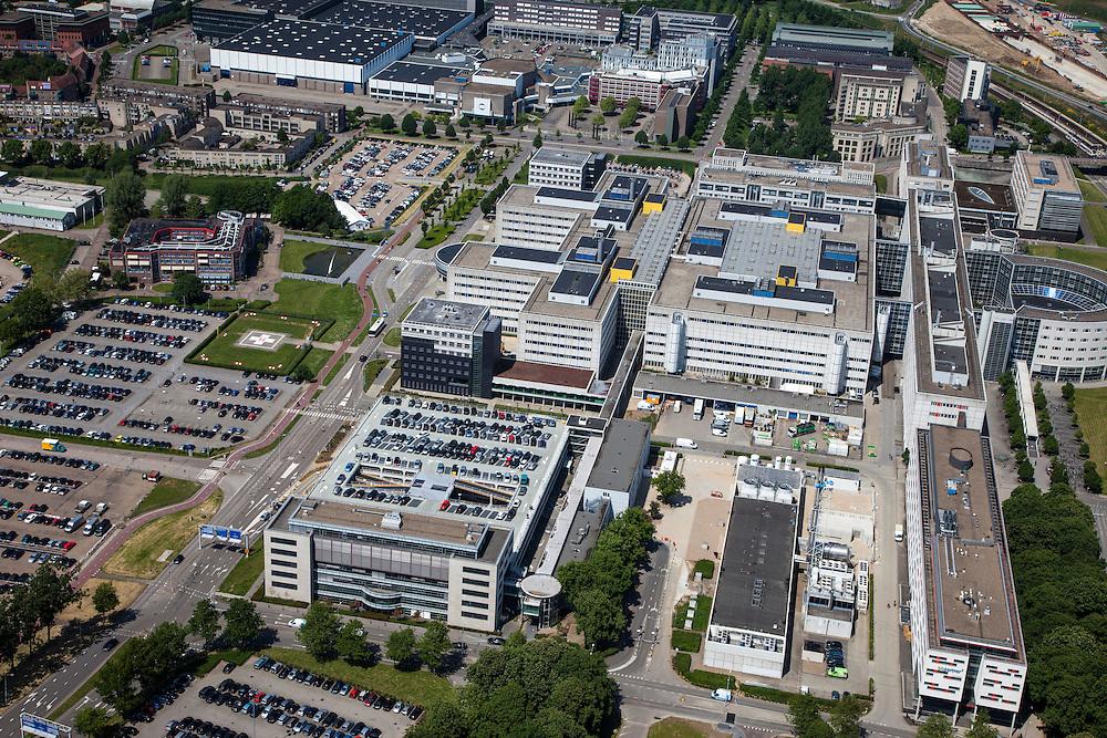 Nederland, Limburg, Gemeente Maastricht, 27-05-2013; Academisch Ziekenhuis Maastricht ,  De werkzaamheden van de A2-tunnel (rechts) zijn nog net te zien, oplevering 2016. <br /> University hospital Maastricht, close-up.<br /> luchtfoto (toeslag op standaardtarieven);<br /> aerial photo (additional fee required);<br /> copyright foto/photo Siebe Swart.