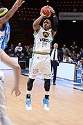 DESCRIZIONE : Milano BEKO Final Eigth  2016<br /> Vanoli Cremona - Dinamo Banco di Sardegna Sassari<br /> GIOCATORE : Tyrus McGee<br /> CATEGORIA :  Tiro Tre Punti Three Point<br /> SQUADRA : Vanoli Cremona<br /> EVENTO : BEKO Final Eight 2016<br /> GARA : Vanoli Cremona - Dinamo Banco di Sardegna Sassari<br /> DATA : 19/02/2016<br /> SPORT : Pallacanestro<br /> AUTORE : Agenzia Ciamillo-Castoria/M.Longo<br /> Galleria : Lega Basket A 2016<br /> Fotonotizia : Milano Final Eight  2015-16 Vanoli Cremona - Dinamo Banco di Sardegna Sassari<br /> Predefinita :