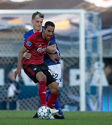 Carlos Zeca (FC København) holdes tilbage af Kasper Enghardt (Lyngby Boldklub) under kampen i 3F Superligaen mellem Lyngby Boldklub og FC København den 1. juni 2020 på Lyngby Stadion (Foto: Claus Birch).