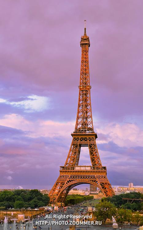 Eiffel (Eifel) tower in the evening with dramatic sky