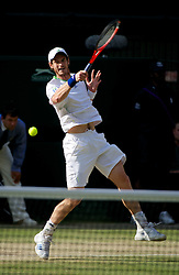 01.07.2011, Wimbledon, London, GBR, ATP World Tour, Wimbledon Tennis Championships, im Bild Andy Murray (GBR) in action during the Gentlemen's Singles Semi-Final match on day eleven of the Wimbledon Lawn Tennis Championships at the All England Lawn Tennis and Croquet Club. EXPA Pictures © 2011, PhotoCredit: EXPA/ Propaganda/ David Rawcliffe +++++ ATTENTION - OUT OF ENGLAND/UK +++++