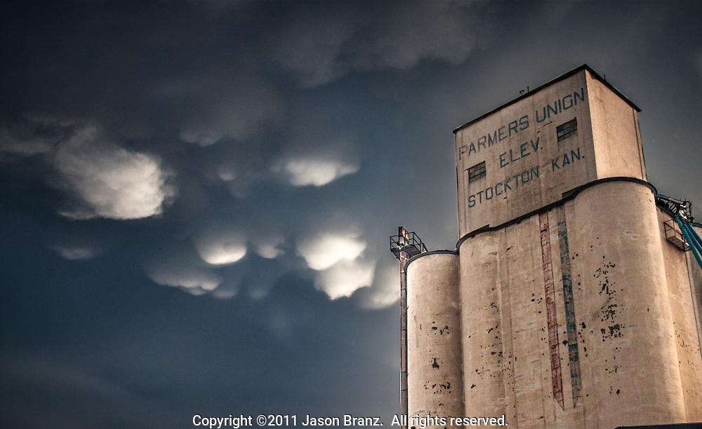 Mammatus under a severe thunderstorm in northern Kansas.