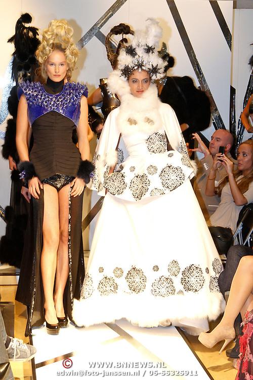 NLD/Amsterdam/20120126 - AFW winter 2012 - Modeshow Sepehr Maghsoudi, Soraya Akhbar en model