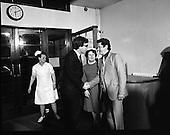 1982 - Jim Mitchell Visits Dr Jim Donovan.   (P8).