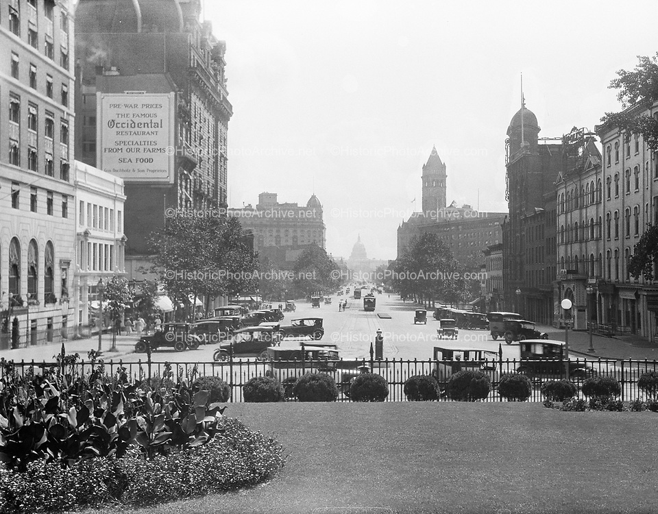 0613-B006. Pennsylvania Avenue looking east at the Capitol from the Treasury. Washington, DC, 1922