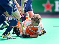 ROTTERDAM - HOCKEY -  Constantijn Jonker  tijdens de oefenwedstrijd tussen de mannen van Nederland en Engeland (2-1) . FOTO KOEN SUYK