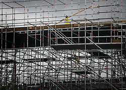 © Licensed to London News Pictures. 06/06/2012. London, UK. Workmen begin the task of deconstructing the stages and scaffolding platforms put in place for the celebrations.  The Royal Jubilee celebrations. Great Britain is celebrating the 60th  anniversary of the countries Monarch HRH Queen Elizabeth II accession to the throne this weekend Photo credit : Stephen Simpson/LNP