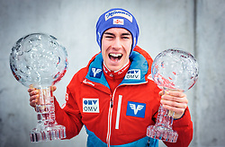 26.03.2017, Planica, Ratece, SLO, FIS Weltcup Ski Sprung, Planica, Siegerehrung, im Bild Gesamtweltcup- und Skiflug Weltcup Sieger Stefan Kraft (AUT) // Overall World Cup and Ski Flying World Cup winner Stefan Kraft of Austria during award winner ceremony after the Ski Flying Hill Individual competition of the FIS Ski Jumping World Cup Final 2017 at Planica in Ratece, Slovenia on 2017/03/26. EXPA Pictures © 2017, PhotoCredit: EXPA/ JFK