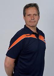 21-05-2014 NED: Selectie Nederlands volleybal team vrouwen, Arnhem<br /> Op Papendal werd het Nederlands team volleybal seizoen 2014-2015 gepresenteerd / Head coach Gido Vermeulen
