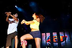 Casal Renner durante o Planeta Atlântida 2013/RS, que acontece nos dias 15 e 16 de fevereiro na SABA, em Atlântida. Dupla agita planetários dançando Gangnam Style. FOTO: Emmanuel Denaui/Preview.com