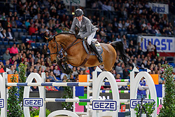 WEISHAUPT Philipp (GER), Volver de la Vigne<br /> Stuttgart - German Masters 2019<br /> Preis der Firma GEZE GmbH<br /> Int. Springprüfung mit Siegerrunde (1.50 m)<br /> CSI5*-W, Wertungsprüfung für LONGINES Ranking<br /> 16. November 2019<br /> © www.sportfotos-lafrentz.de/Stefan Lafrentz