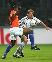 Fotball<br /> Landskamp U21<br /> Tyskland v Nederland<br /> 15.08.2006<br /> Foto: Witters/Digitalsport<br /> NORWAY ONLY<br /> <br /> v.l. Ryan Babel, Markus Brzenska Deutschland<br /> Laenderspiel U-21 Deutschland - Niederlande