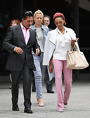 Mel B leaves divorce court - 16 Sep 2017