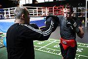 """Boxen: Boxen im Norden, Hamburg, 15.03.2021<br /> Alexander """"Alex"""" Pavlov und Trainer Victor Hermann<br /> © Torsten Helmke"""