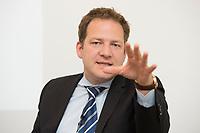 """18 JUN 2012, BERLIN/GERMANY:<br /> Prof. Dr. Bernhard Lorenz, Geschaeftsfuehrer Stiftung Mercator, Pressekonferenz der Stiftung Mercator zum Thema """"Wie kann die Zivilgesellschaft die Energiewende in Deutschland mitgestalten?"""" ProjektZentrum Berlin der Stiftung Mercator<br /> IMAGE: 20120618-01-070"""