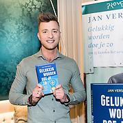 NLD/Amsterdam/20190314  - Boekpresentatie Jan Versteegh - Gelukkig worden doe je zo, Jan Verteegh met zijn nieuwe boek