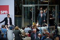 08 SEP 2008, BERLIN/GERMANY:<br /> Frank-Walter Steinmeier (L), SPD, Bundesaussenminister und desig. Kanzlerkandidat, und Franz Muentefering (R), SPD, desig. Parteivorsitzender, auf dem Weg zu einer Pressekonferenz nach den Sitzungen von SPD Praesidium und Parteivorstand nach dem Ruecktritt von K urt B eck, Willy-Brandt-Haus<br /> IMAGE: 20080908-03-002<br /> KEYWORDS: Franz Müntefering, Kamera, Camera, Journalist, Journalisten