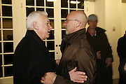 Michael Craig-Martin and Nigel Coates. Ellsworth Kelly exhibition opening. Serpentine Gallery and afterwards at the River Cafe. London. 17 March 2006. ONE TIME USE ONLY - DO NOT ARCHIVE  © Copyright Photograph by Dafydd Jones 66 Stockwell Park Rd. London SW9 0DA Tel 020 7733 0108 www.dafjones.com