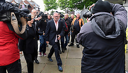 Paul Gascoigne bei seiner Ankunft beim Gericht in Dudley<br /> <br /> / 190916<br /> <br /> ***Paul Gascoigne arrives at Dudley Magistrates Court in the west Midlands UK 19th September 2016  Photo  Sam Bagnall/SilverHub***