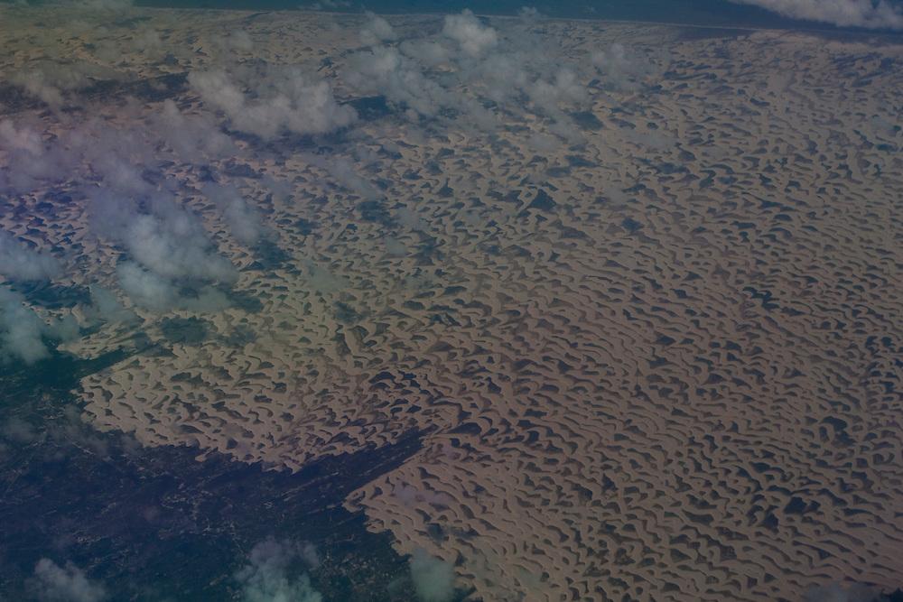 Barreirinhas_MA, Brasil...Vista aerea do Parque Nacional dos Lencois Maranhenses, Maranhao...The aerial view of the Lencois Maranhenses National Park, Maranhao...Foto: JOAO MARCOS ROSA / NITRO