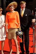 Koning Willem Alexander en Koningin Maxima in de deelstaat Hessen.<br /> <br /> King Willem Alexander and Queen Maxima in Germany / Hessen.<br /> <br /> Op de foto / n the photo: <br />  Aankomst bij de Staatskanlei Hessen / Arrival at Staatskanlei Hessen