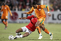 Fotball<br /> Foto: Dppi/Digitalsport<br /> NORWAY ONLY<br /> <br /> FOOTBALL - AFRICAN CUP OF NATIONS 2006 - FINAL - 060210 - EGYPT v IVORY COAST / ELFENBENSKYSTEN - DIDIER DROGBA (CIV) / MOHAMED SHAWKI (EGY)