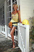 22 June 2005: Dina Arnott wife of Jason Arnott of the Dallas Stars getting handy during The Not So Desperate, Desperate Housewives shoot on location in Los Angeles with NHL hockey players wives for Editorial Use Only!  Mandatory Credit:  Shelly Castellano.com or Price Doubles. .