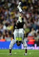 Fotball<br /> Spania<br /> Foto: imago/Digitalsport<br /> NORWAY ONLY<br /> <br /> Copa del Rey 2005/2006<br /> Espanyol v Real Zaragosa<br /> 12.04.2006  <br /> <br /> Torwart Carlos Kameni (Espanyol Barcelona) verliert vor Freude den Boden unter den Füßen