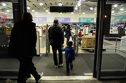 © Licensed to London News Pictures. 08/11/2012.The struggling electronics retailer, begins liquidating its stock at 10% discounted prices after entering administration.  People flooding to this comet store in South East London this evening to get a bargain..Photo credit : Grant Falvey/LNP