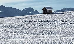 THEMENBILD – Schneefalten auf den Dorferfeldern in Kals Grossdorf. Kals, Österreich am Montag, 25. November 2019 // Snowfild in Kals. Monday, November 25, 2019 in Kals am Grossglockner, Austria. EXPA Pictures © 2019, PhotoCredit: EXPA/ Johann Groder