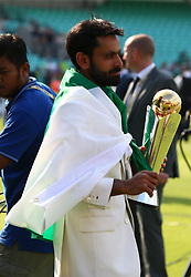 June 18, 2017 - London, United Kingdom - Muhammad Hafeez of Pakistan with Trophy.during the ICC Champions Trophy Final match between India and Pakistan at The Oval in London on June 18, 2017  (Credit Image: © Kieran Galvin/NurPhoto via ZUMA Press)