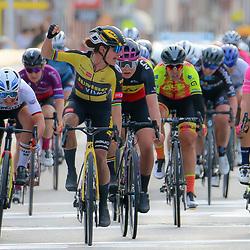 28-03-2021: Wielrennen: Gent-Wevelgem: Wevelgem  <br /> Marianne Vos wint Gent-Wevelgem voor de Belgische Lotte Kopecky en Lisa Brennauer