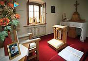Kaplica papieska w klasztorze Kamedułów w Wigrach, Polska<br /> Papal chapel at the monastery of Camaldolese monks, Wigry, Poland