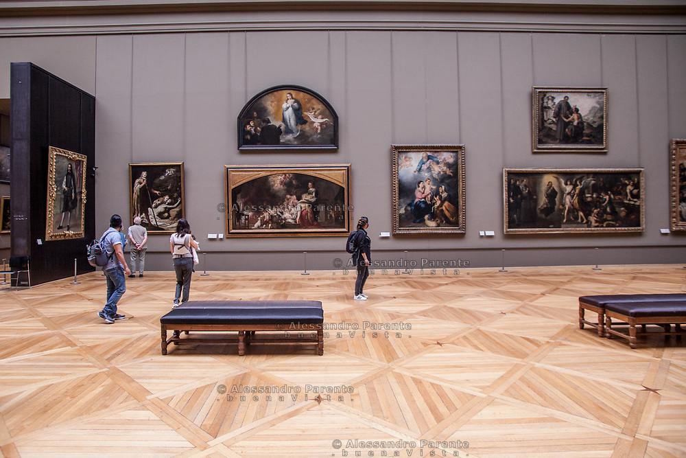 Italian paintings room almost empty for social distancing.