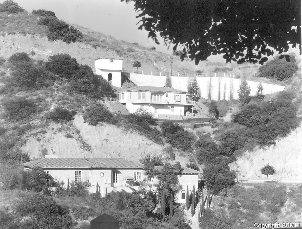 1930s 6902 Oporto in the Outpost Estates