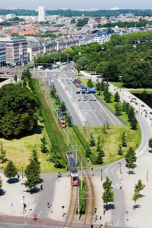 Uitzicht over Den Haag met op de achtergrond nog net Scheveningen zichtbaar