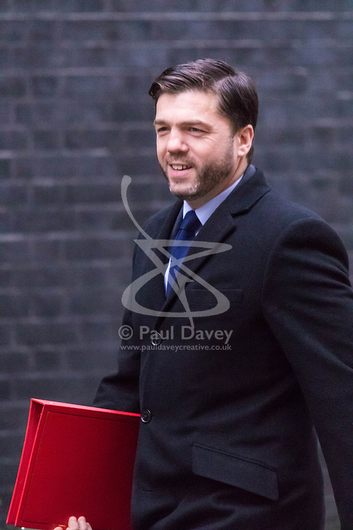 Downing Street, London, November 24th 2015. Welsh Secretary Stephen Crabb arrives at Downing Street for the weekly cabinet meeting. ///FOR LICENCING CONTACT: paul@pauldaveycreative.co.uk TEL:+44 (0) 7966 016 296 or +44 (0) 20 8969 6875. ©2015 Paul R Davey. All rights reserved.