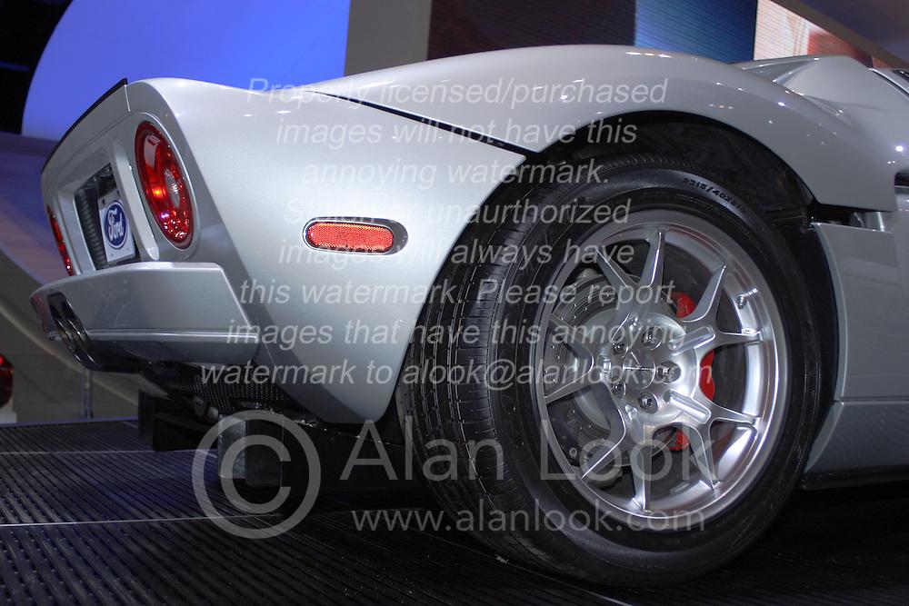 2005 CATA (Chicago Auto Show) Ford GT40