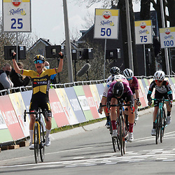 18-04-2021: Wielrennen: Amstel Gold Race women: Berg en Terblijt: Marianne Vos wint de Amstel Gold Race voor Demi Vollering en Annemiek van Vleuten
