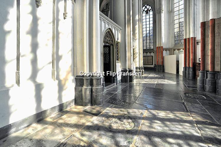 Nederland, Nijmegen, 3-9-2017 St Stephanuskerk of Stevenskerk in het centrum van de stad. De kerk is gebouwd in verschillende periodes en met verschillende stijlen. Romaans en gothisch .Foto: Flip Franssen