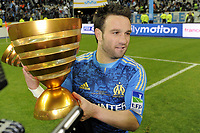 FOOTBALL - FRENCH LEAGUE CUP 2011/2012 - FINAL - OLYMPIQUE LYONNAIS v OLYMPIQUE MARSEILLE - 14/04/2012 - PHOTO JEAN MARIE HERVIO / REGAMEDIA / DPPI - CELEBRATION MATHIEU VALBUENA (OM) AFTER THE VICTORY